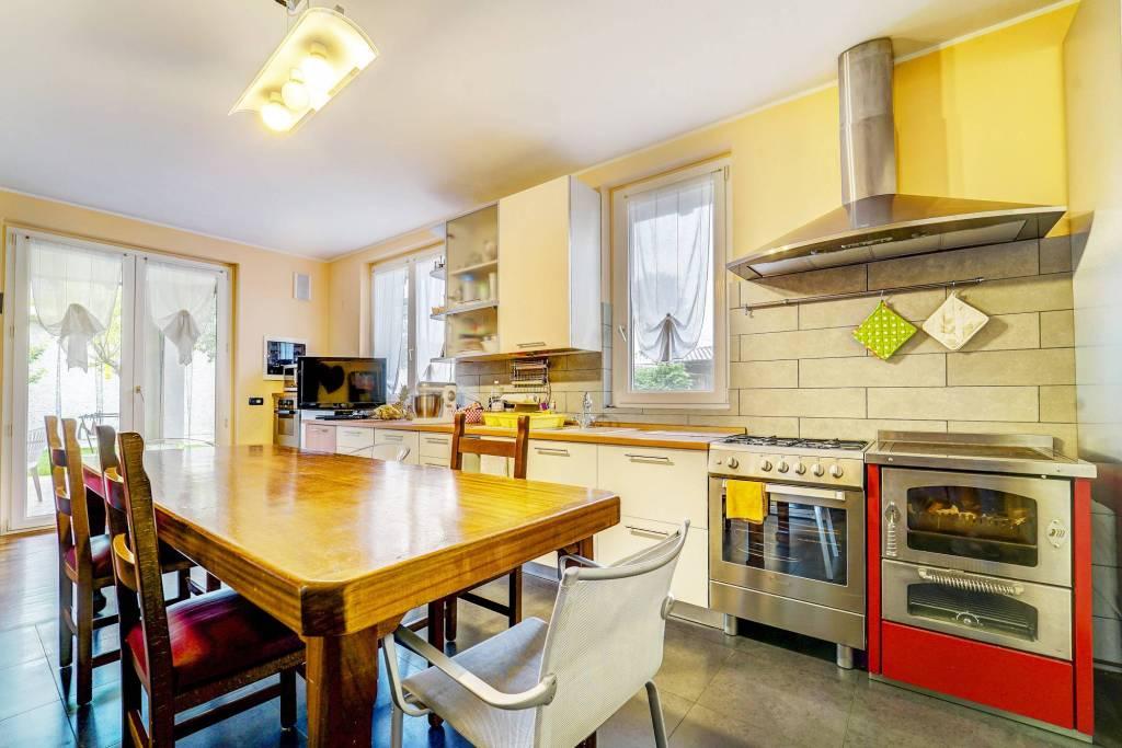 Villa in ottime condizioni in vendita Rif. 8914684