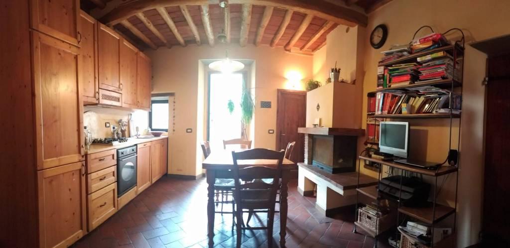 Appartamento in ottime condizioni in vendita Rif. 8469578