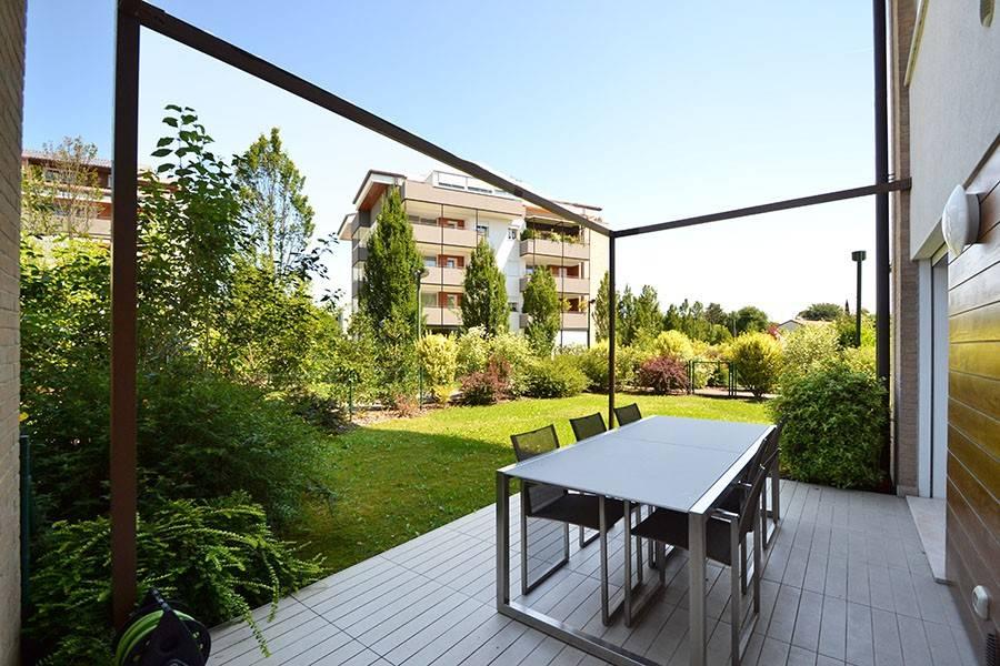 Appartamento in buone condizioni arredato in vendita Rif. 8627844