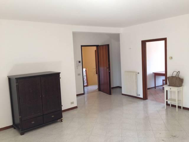 P.te di Brenta appartamento due camere parzialmente arredato