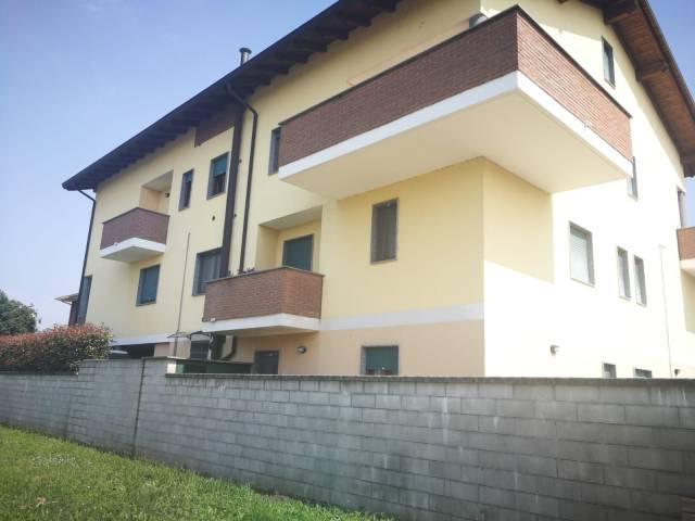 Appartamento in buone condizioni in vendita Rif. 7027995