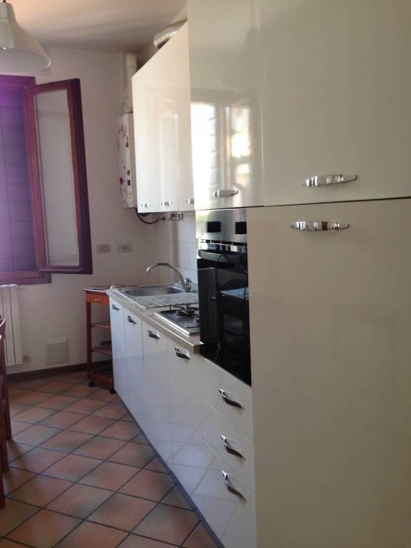 Appartamento in ottime condizioni parzialmente arredato in affitto Rif. 7029079