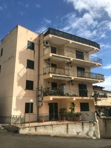 Appartamento in buone condizioni in vendita Rif. 7029325
