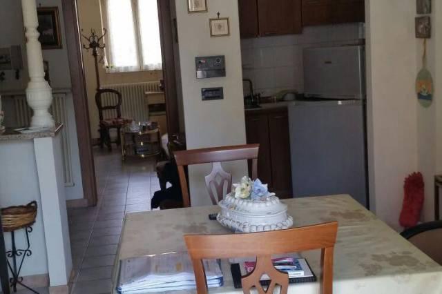 Appartamento in buone condizioni arredato in vendita Rif. 6625106
