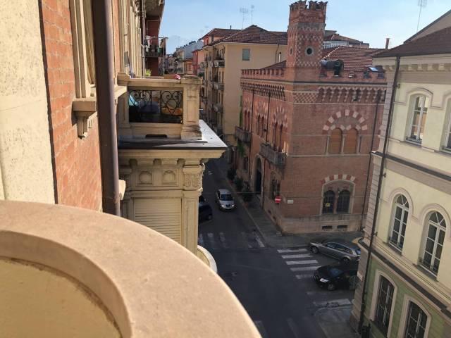 Appartamento in buone condizioni parzialmente arredato in affitto Rif. 7044642