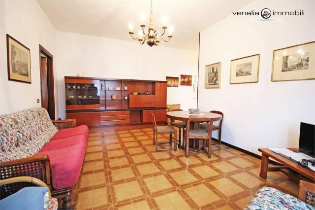 Appartamento in buone condizioni in vendita Rif. 7044295