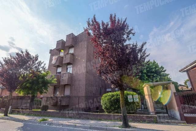 Appartamento in ottime condizioni arredato in vendita Rif. 7046950