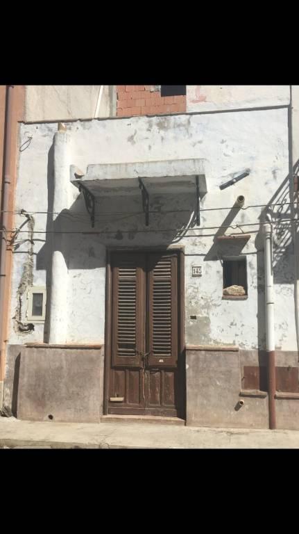 casa indipendente tre livelli vicino il corso