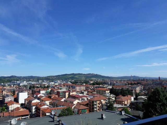 Alba vendesi panoramicissimo appartamento di 180 mq.