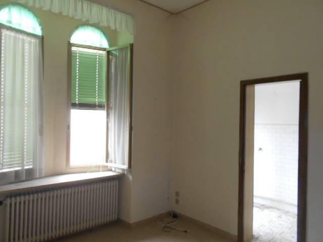 Appartamento in buone condizioni in vendita Rif. 7040974