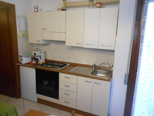Appartamento in ottime condizioni arredato in vendita Rif. 7040975