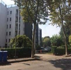 Appartamento in buone condizioni in vendita Rif. 8640576