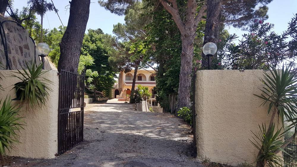 Agriturismo in vendita a Messina, 6 locali, prezzo € 450.000 | CambioCasa.it