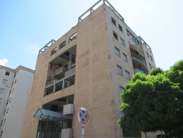 Appartamento in ottime condizioni arredato in vendita Rif. 7040592