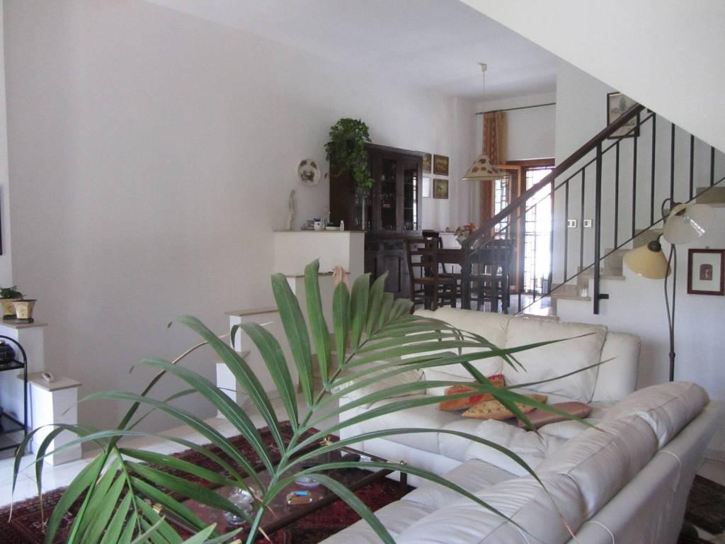 Villa a Schiera in vendita a Genzano di Roma, 6 locali, prezzo € 275.000 | CambioCasa.it