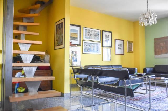 Appartamento in buone condizioni in vendita Rif. 6989224