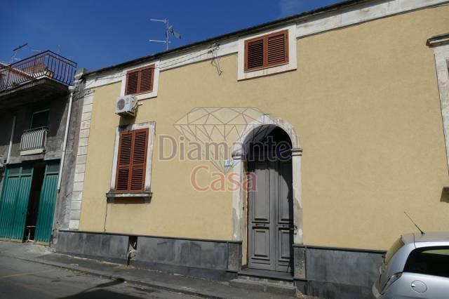 Casa indipendente in Vendita a Catania Centro: 5 locali, 170 mq