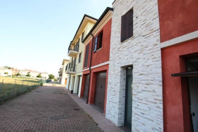 Appartamento in ottime condizioni in affitto Rif. 7040980