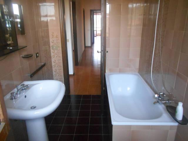 Appartamento in buone condizioni in vendita Rif. 7040422
