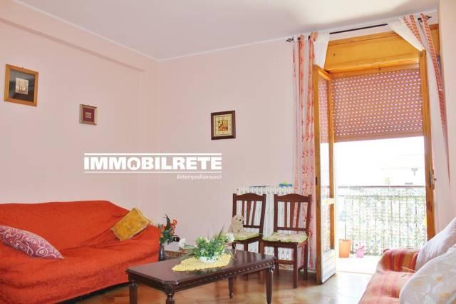 Appartamento in buone condizioni in vendita Rif. 7043907