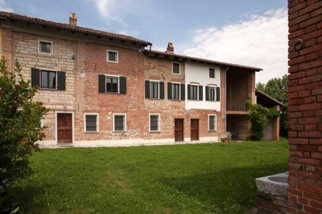 Rustico / Casale in vendita a Alfiano Natta, 6 locali, prezzo € 350.000 | CambioCasa.it