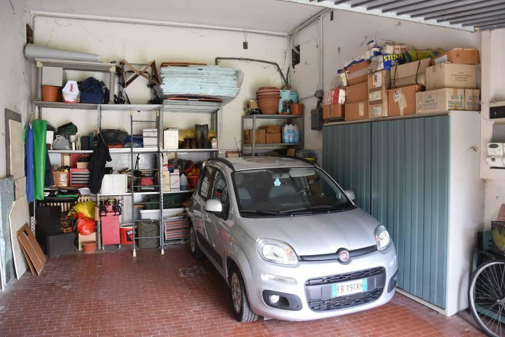 Box / Garage in vendita a Dosolo, 9999 locali, prezzo € 40.000 | CambioCasa.it