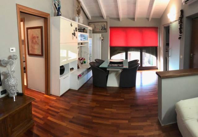 Appartamento in ottime condizioni in vendita Rif. 7056322
