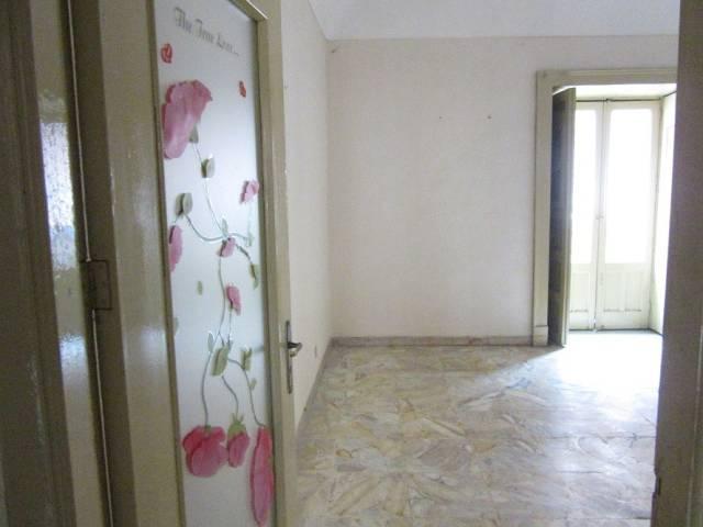 Ampio appartamento al primo piano in zona centrale