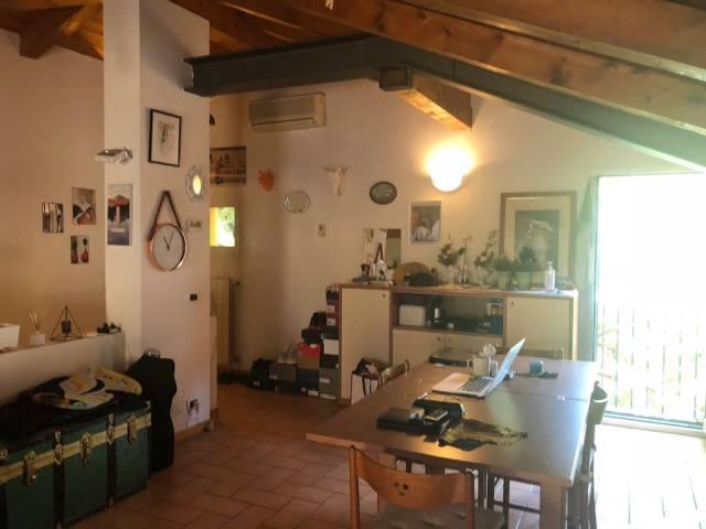 Appartamento in Affitto a Bologna Centro: 2 locali, 90 mq