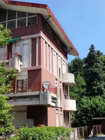 Appartamento in buone condizioni in vendita Rif. 7060167
