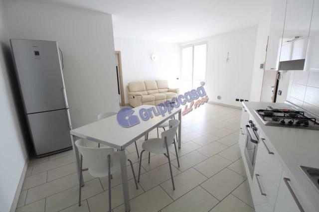 Appartamento in ottime condizioni parzialmente arredato in vendita Rif. 7055693