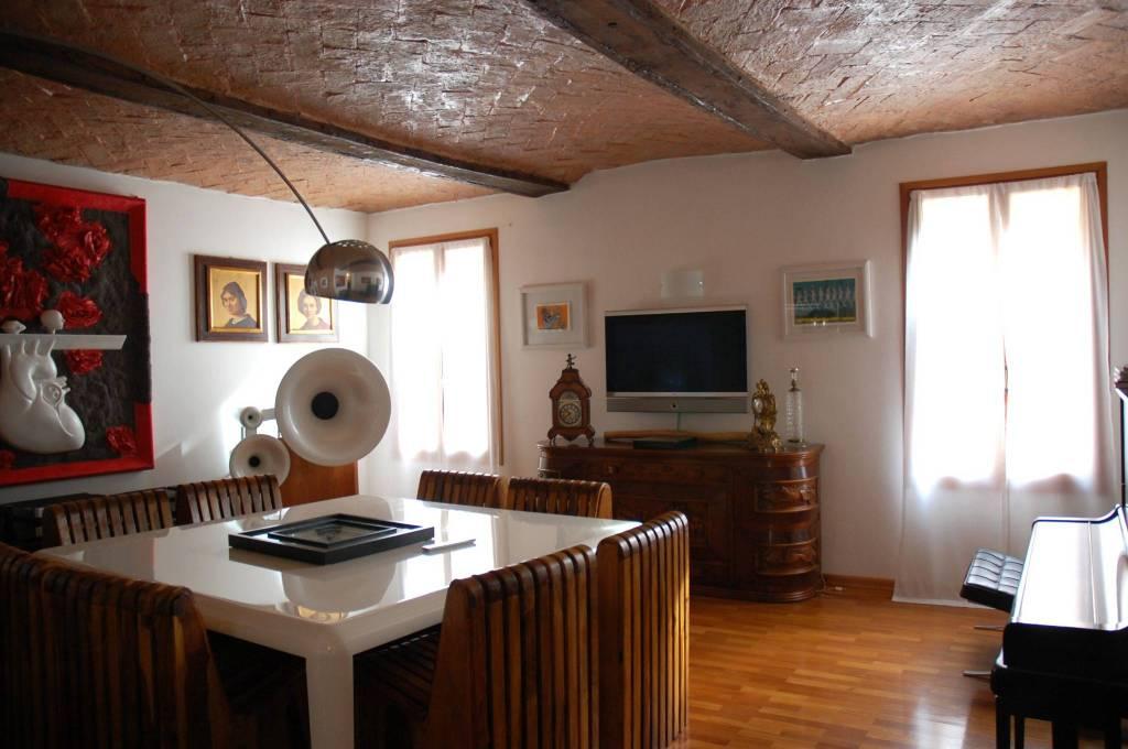 Villetta a schiera in ottime condizioni in vendita Rif. 8519392