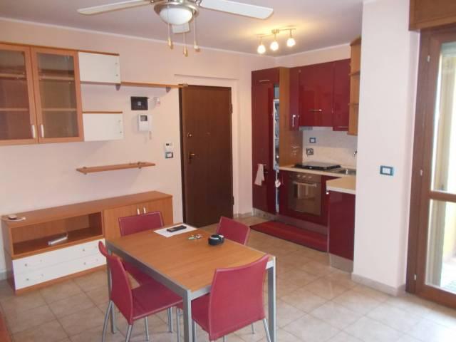 Appartamento in ottime condizioni arredato in vendita Rif. 7060139