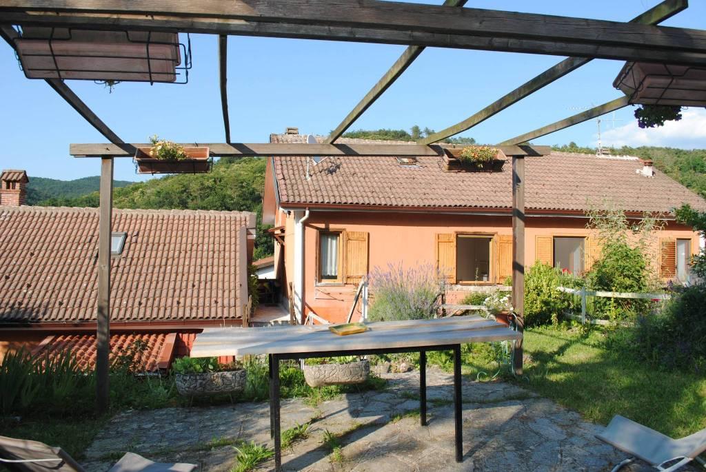 Appartamento in vendita a Voltaggio, 3 locali, prezzo € 45.000 | CambioCasa.it