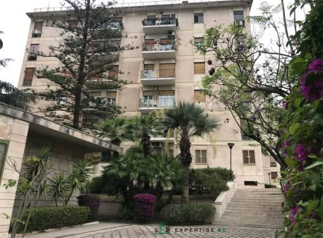 Appartamento in buone condizioni in affitto Rif. 7061447