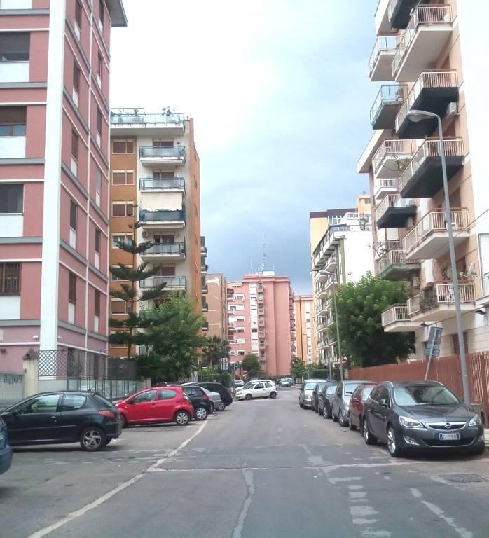 Magazzino in Vendita a Palermo Centro:  1 locali, 32 mq  - Foto 1