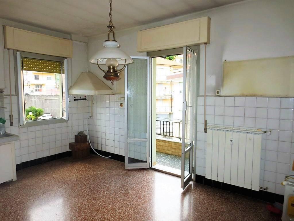 Appartamento da ristrutturare in vendita Rif. 7056543
