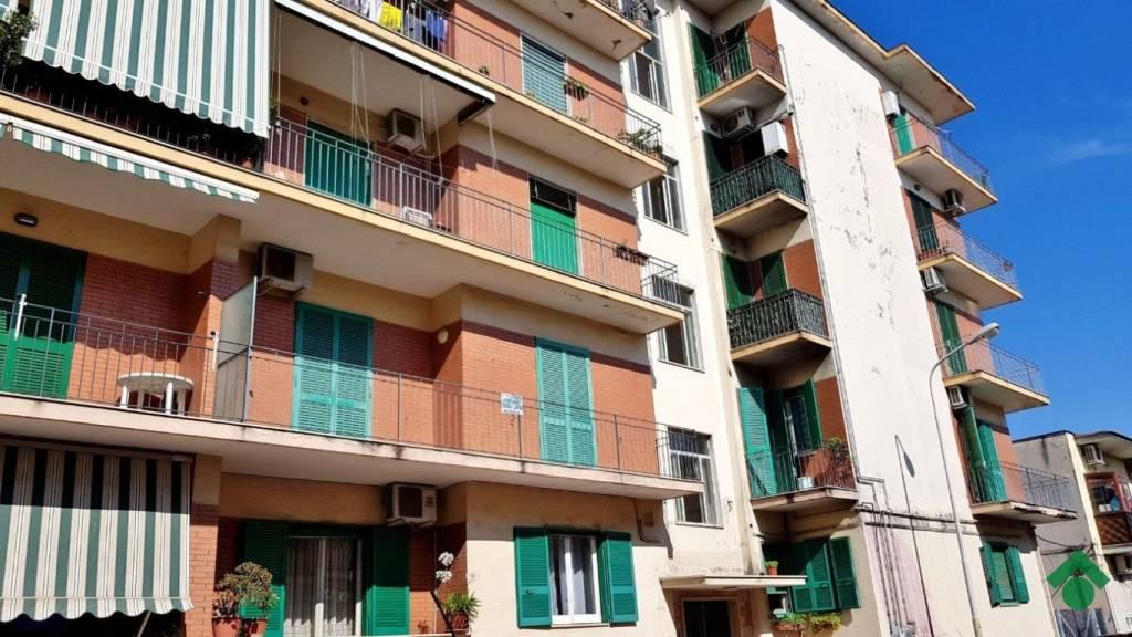 Appartamento in buone condizioni in vendita Rif. 9225772