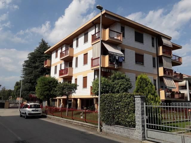 Appartamento in buone condizioni in vendita Rif. 7055843