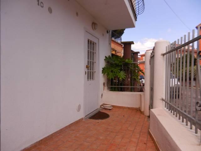 Appartamento in ottime condizioni arredato in affitto Rif. 7070148