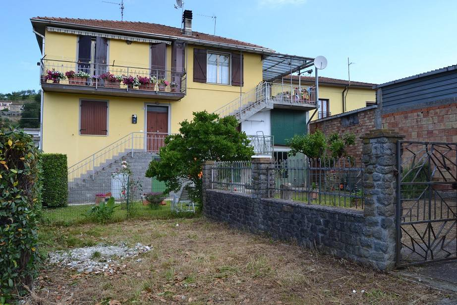 Appartamento in ottime condizioni in vendita Rif. 7071734