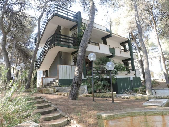Villa in buone condizioni in vendita Rif. 7070244