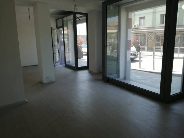 LOCALE COMMERCIALE Rif. 7069885