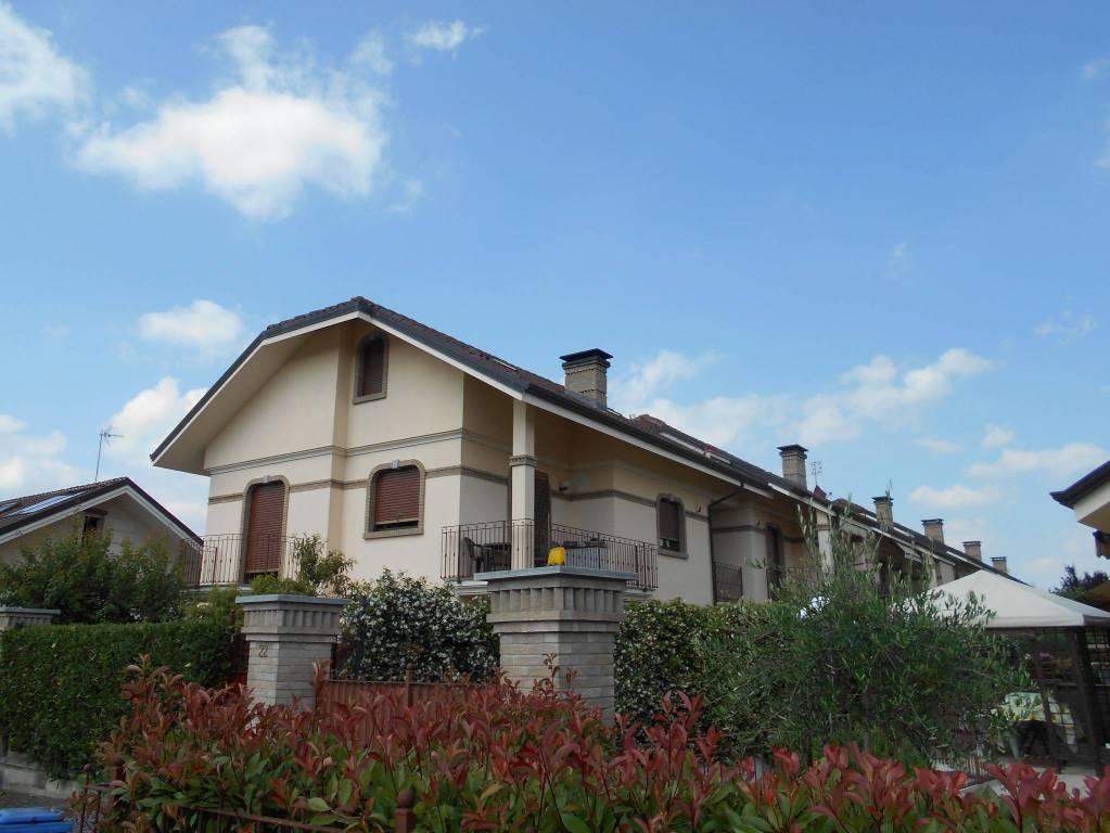 Appartamento in ottime condizioni in vendita Rif. 7270434