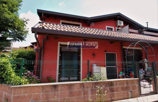 Appartamento in buone condizioni arredato in vendita Rif. 7083566