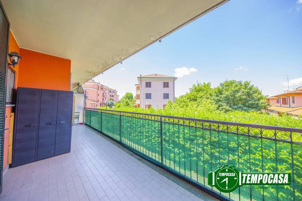 Appartamento in buone condizioni in vendita Rif. 8503195