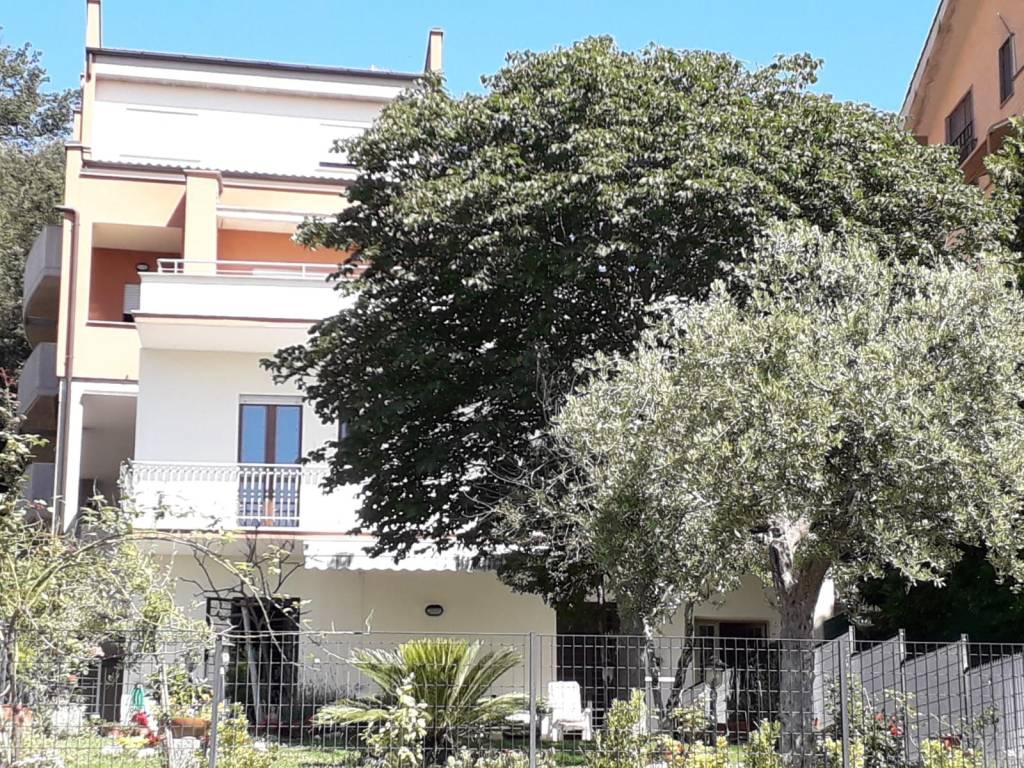 Appartamento in vendita Rif. 8267427