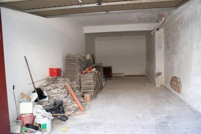 garage di 30mq in zona Serapo