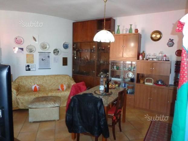 Appartamento in ottime condizioni arredato in affitto Rif. 7085234