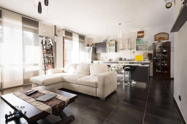 Appartamento in vendita via Vernante Rivoli